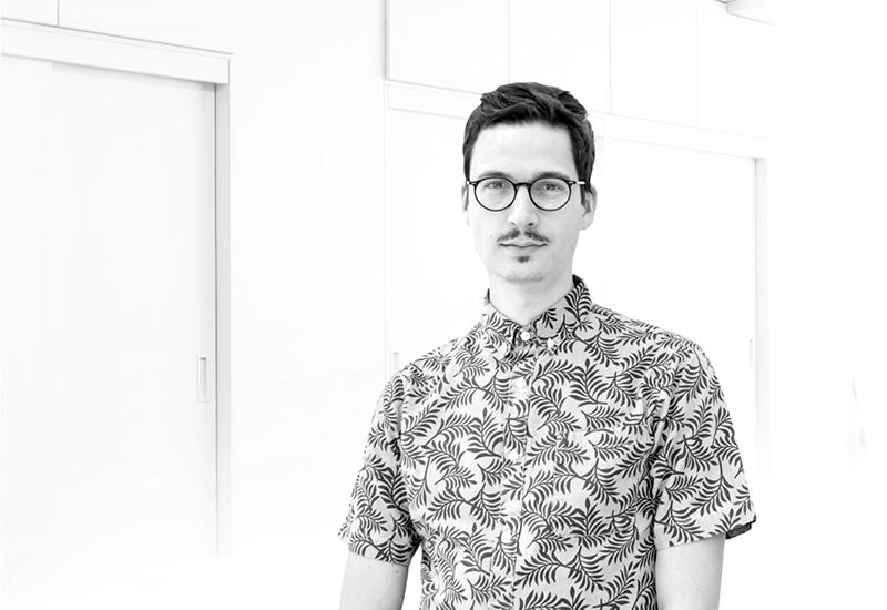 Schwarz-Weiß-Portraitfoto von Florian Sehn
